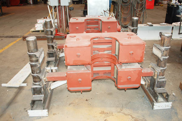 Oil drilling iron roughneck